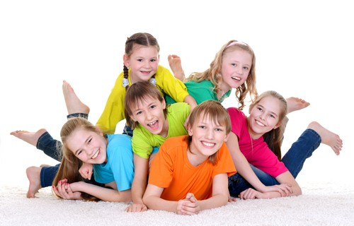 ages stagesschool age children development parenting tipssocialization 2 Helping Your Child with Socialization