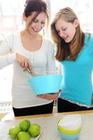 teen-mom-girl-cooking