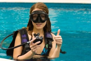 girl scuba diving 300x200 Scuba Diving for Kids   What You Should Know about It